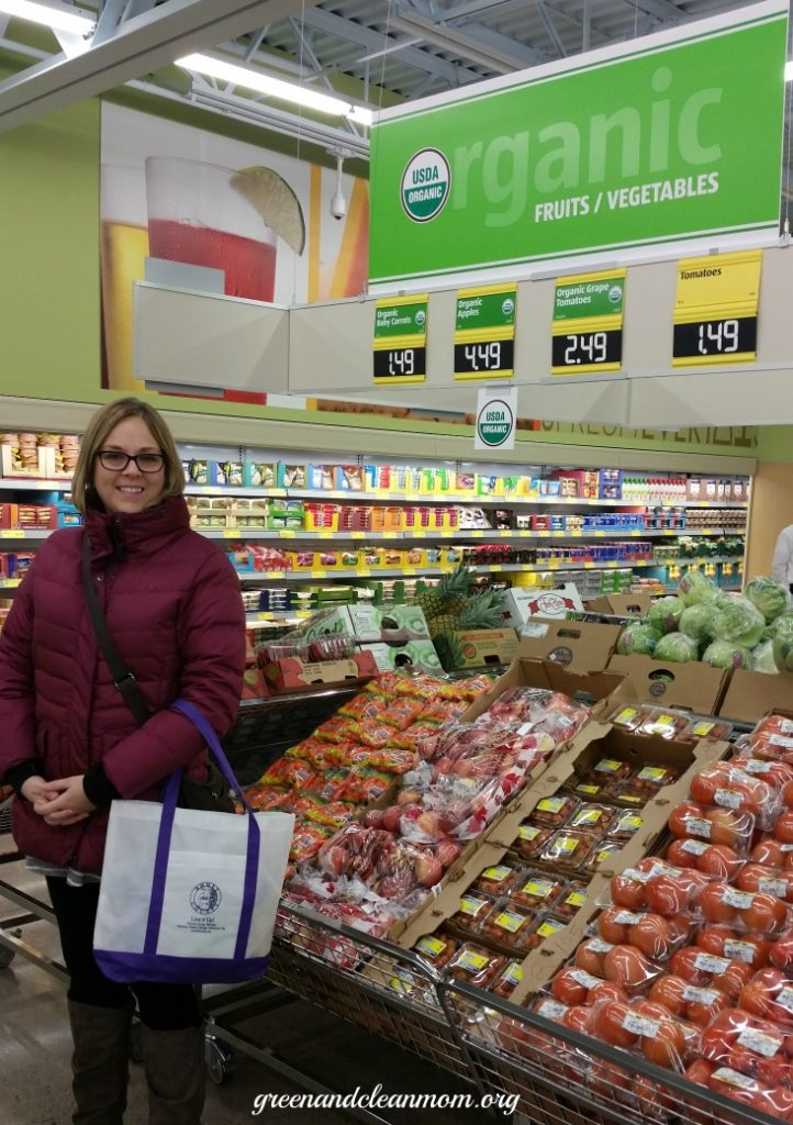 Shopping ALDI for organic and gluten free foods. #organic #shopping #groceries #budget