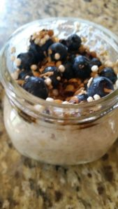 Oatmeal in a Jar – Easy make ahead breakfast for kids and mom too!
