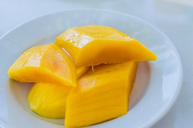 mango slices