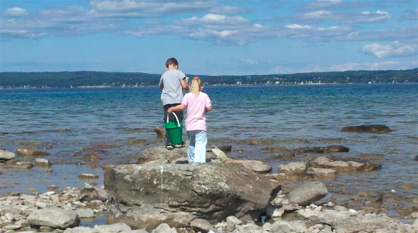 Rock Hunting in Michigan for #Petoskey Stones