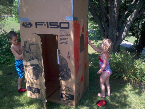 Tech free summertime days and activities that keep kids busy!