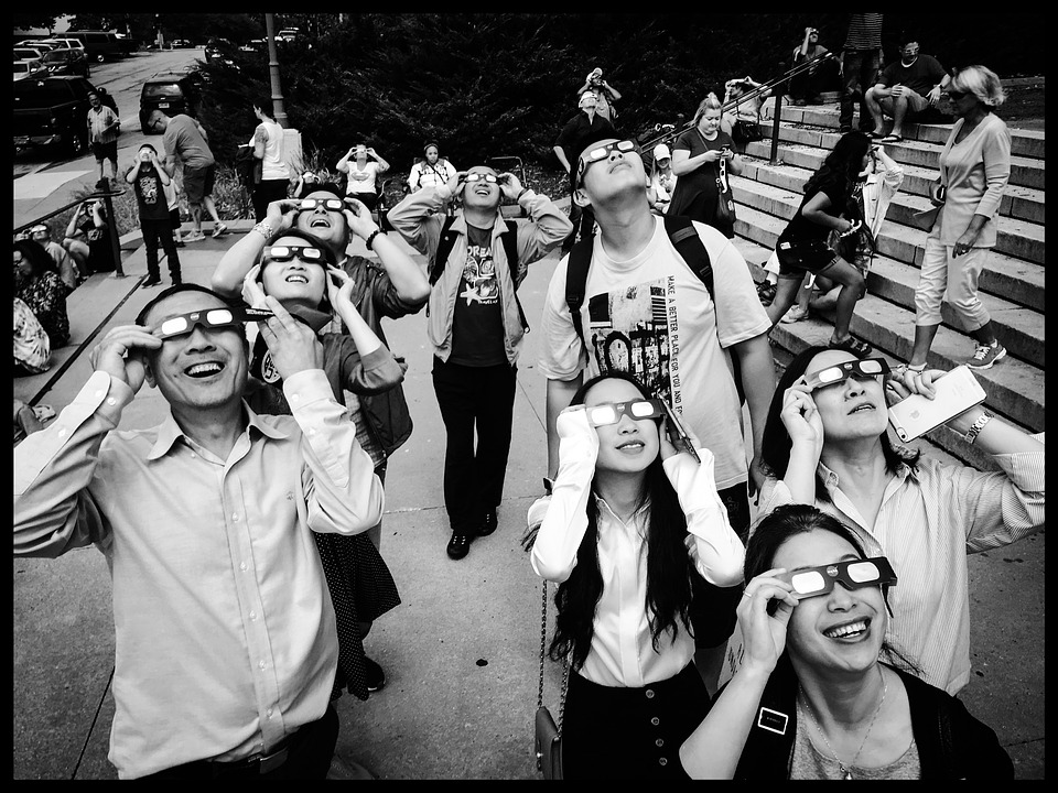 Did You View The Eclipse Without Protective Glasses? Here's How To Know If You Damaged Your Eyes