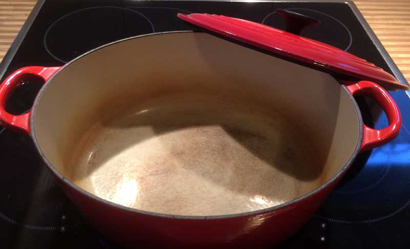 le creuset dutch oven pot well used
